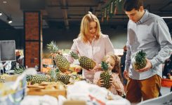 Grocery Shopping with Children: Do's and Don'ts